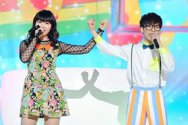 Photo of Lee Chanhyuk & his friend musician  Lee Suhyun - Akdong