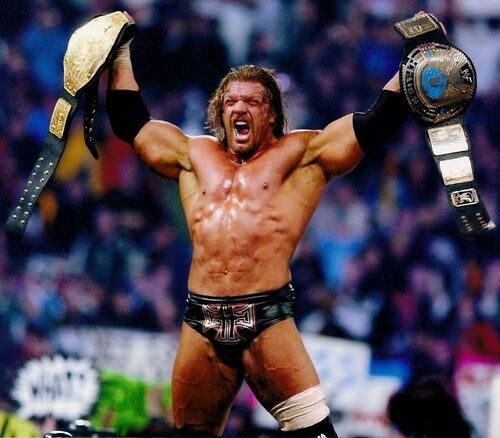 Triple H becomes WWE World Heavyweight Champion