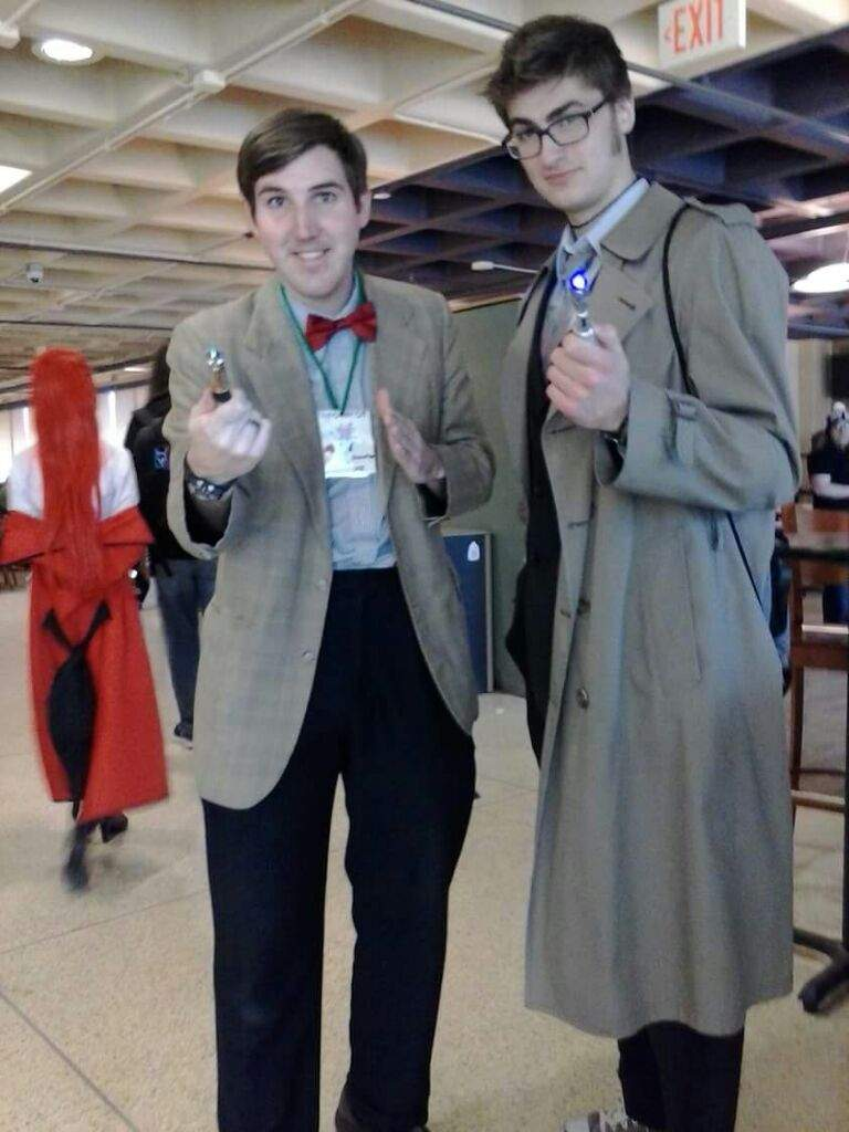 Doctor-y pose - Doctor Who Cosplay by Matteleven on DeviantArt  Doctor Who Cosplay