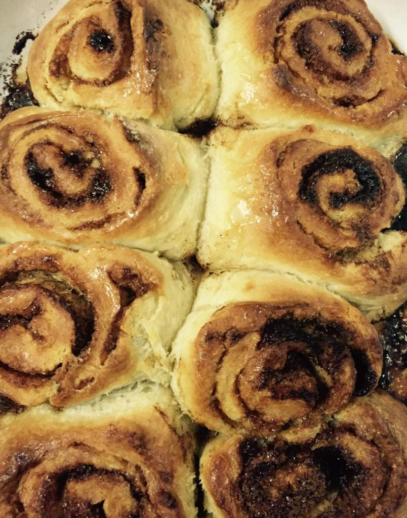 Cinnamon rolls!!! Muffins!!! Oh my!! | Food Amino