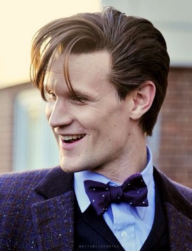 a description of matt smith on his every day life Matt smith is a comedian and writer he is a graduate of emerson college where he majored in gay and minored in chain-smoking as a comedian, he's performed at various venues throughout nyc, including caroline's, stand up ny, and broadway comedy club.