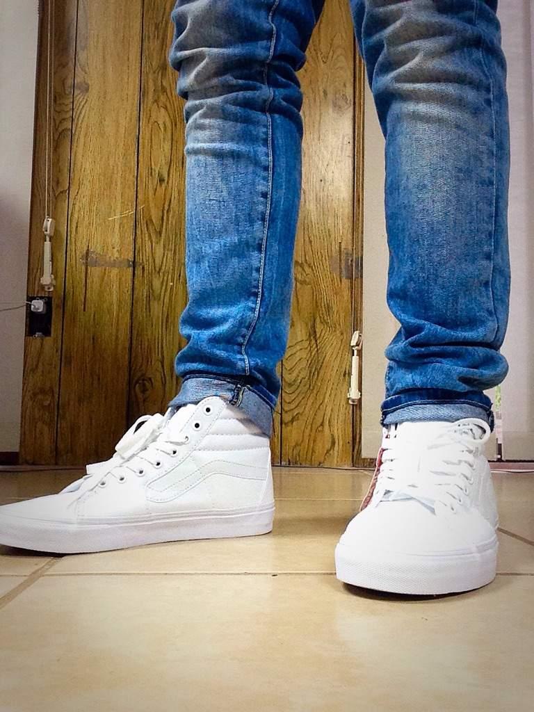 vans sk8 hi on feet white