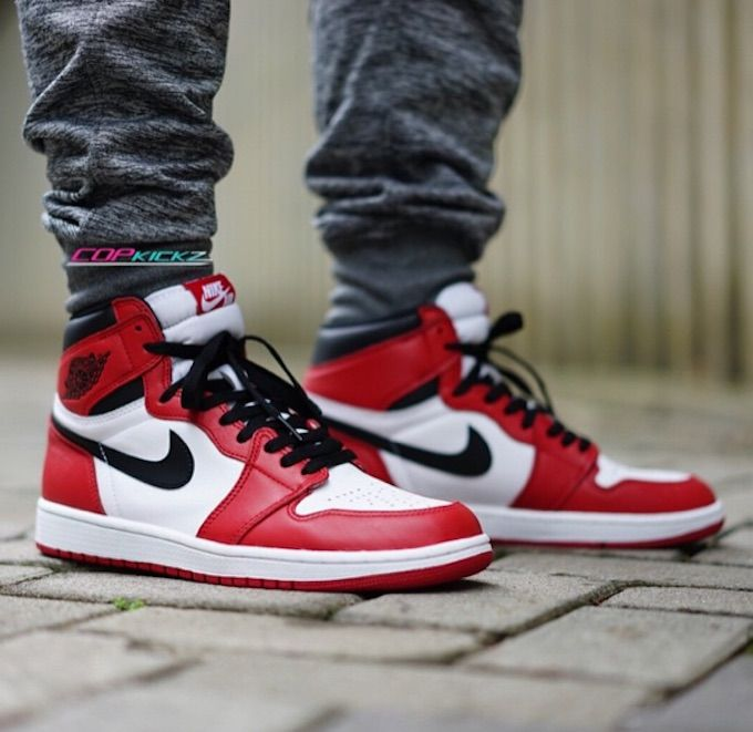 Chicago 1s vs Bred 1s | Sneakerheads Amino