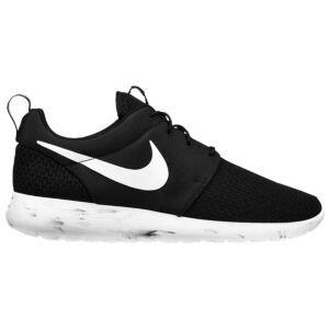 9a2657a5f7f61 adidas Tubular Runner vs. Nike Roshe One