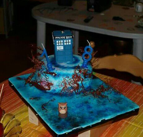 Whovian birthday cake Doctor Who Amino
