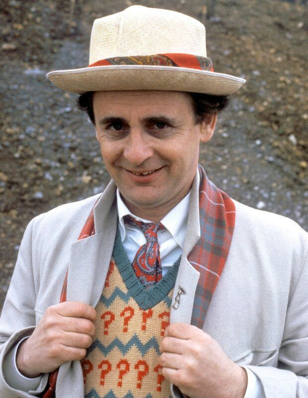 how tall is sylvester mccoy