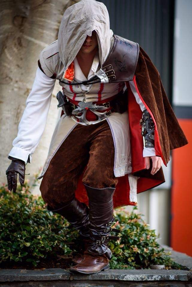 Ezio Auditore Cosplay Amino