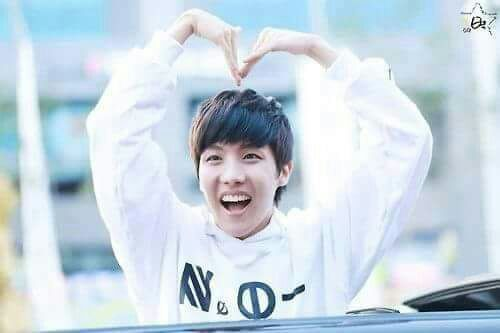 J Hope Smile Who hast the Be...