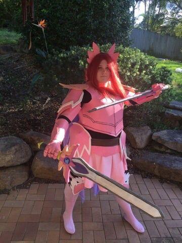 erza scarlet armadura fairy armour cosplay amino