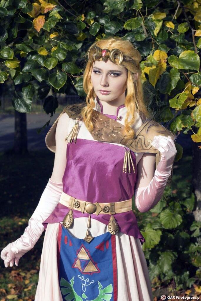 Princess zelda ocarina of time cosplay