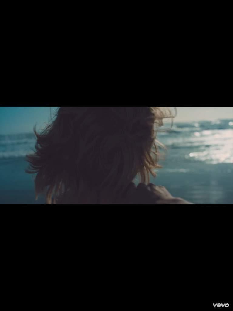 OOTW music video | Swifties Amino