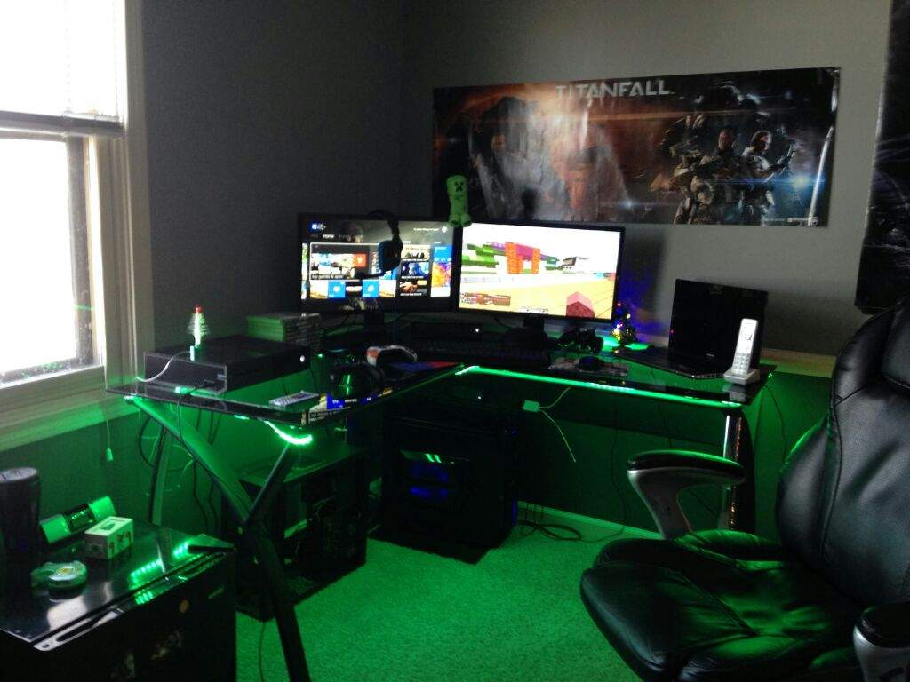 Show us your gaming setup 2016 edition video games amino for Small room 7 1 setup