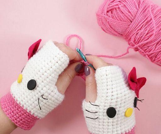 Handmade Kawaii: Hello Kitty amigurumi for a friend | 427x512