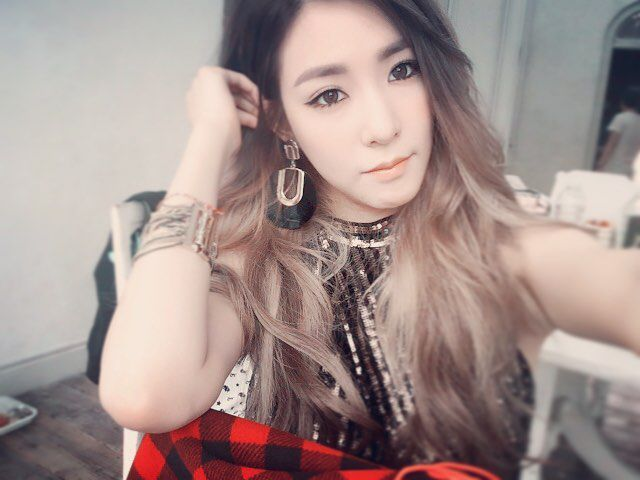 Image result for Korean girl picture