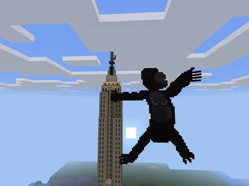 KingKong Climbing The Empire State Building! | Minecraft Amino