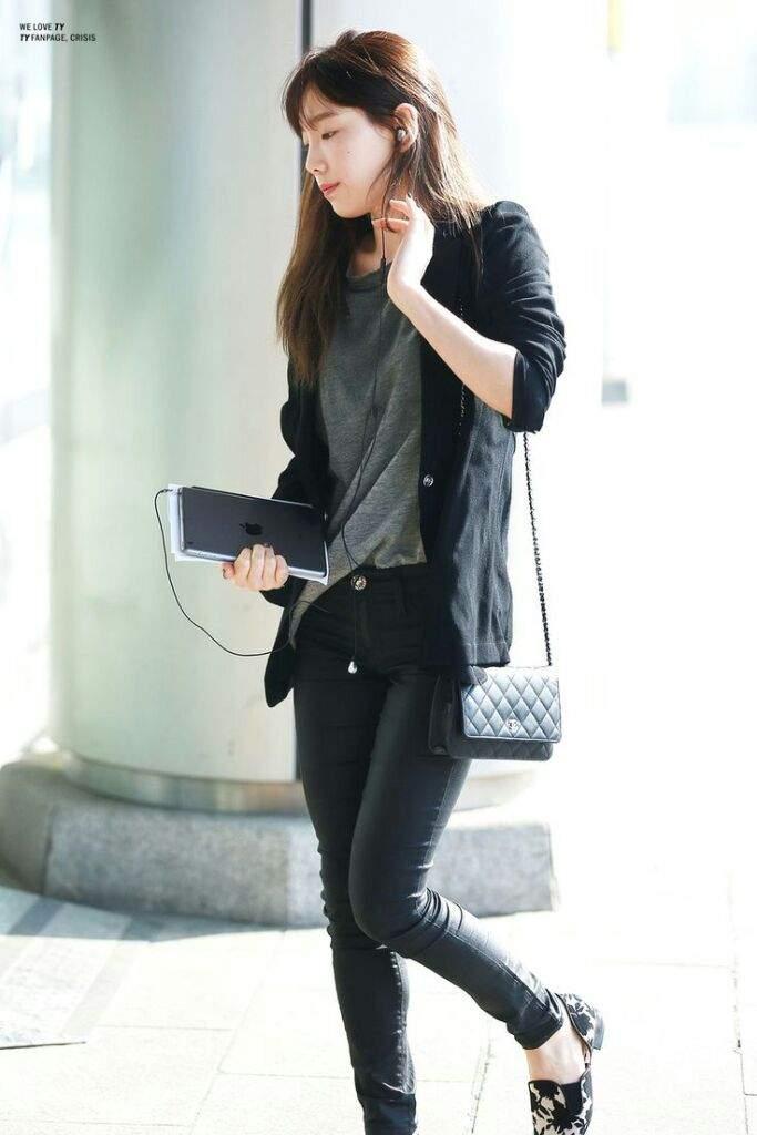 Kpop Airport Fashion Girls K Pop Amino