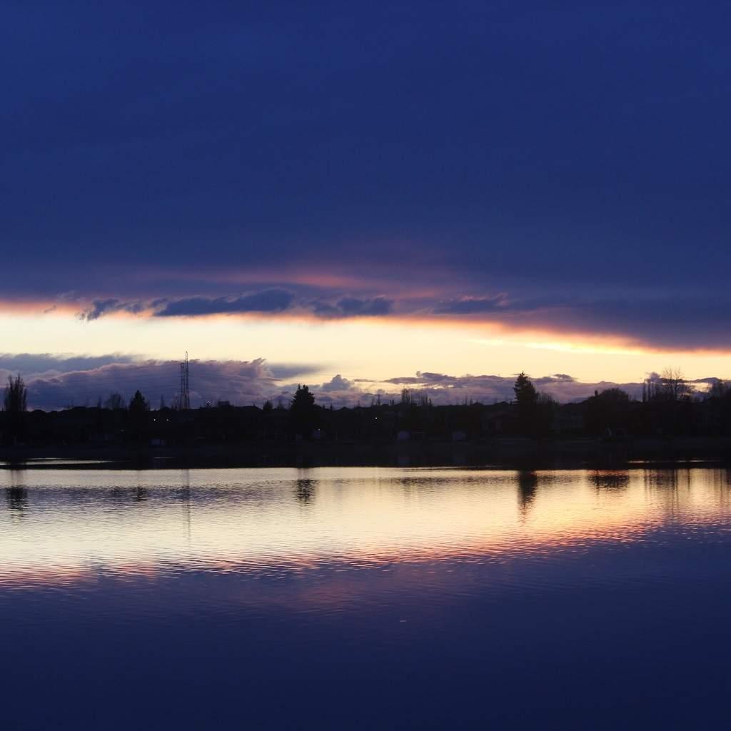 Beautiful Lake House Homes: Beautiful Lake Sunset