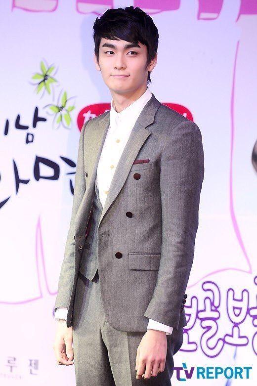 from Stephen profil jo hyun woo dating agency cyrano