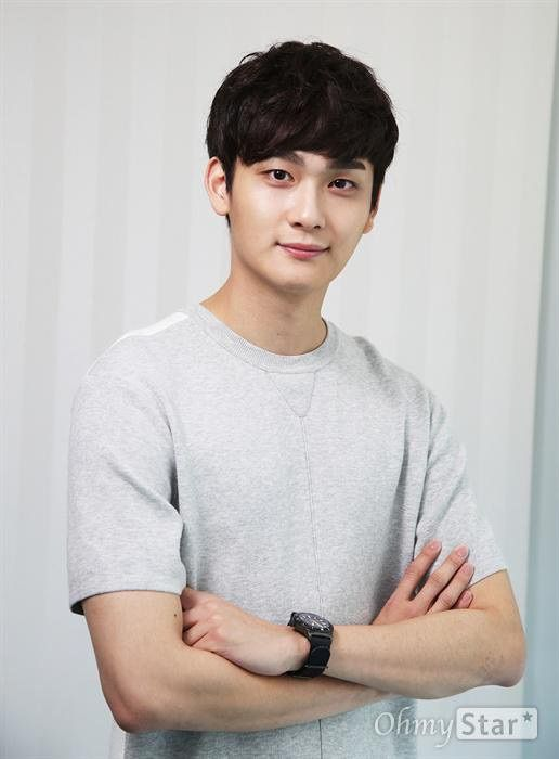 ah rang dating agency cyrano Moo jn is the brain behind the dating agency , the 'chic & dark engineer of the dating agency ah rang , the  cyrano dating agency follows current .