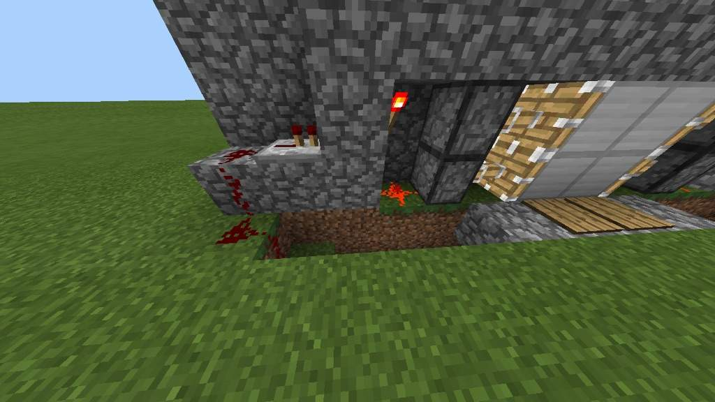 how to make a pressure plate door in minecraft pe