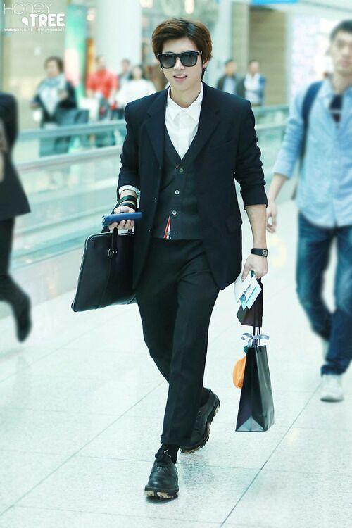 Poll Best Male Airport Fashion K Pop Amino
