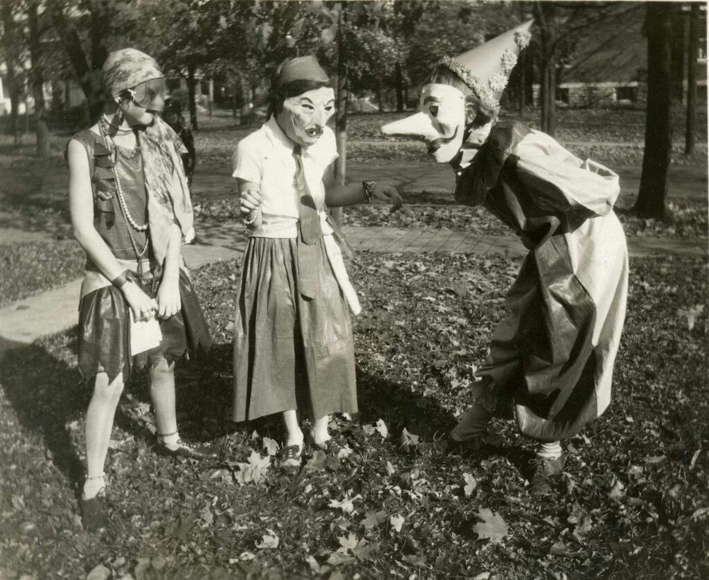 Old Halloween costumes | Horror Amino