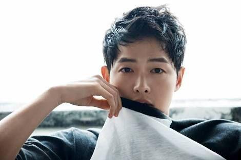 Bora song joong ki dating sim