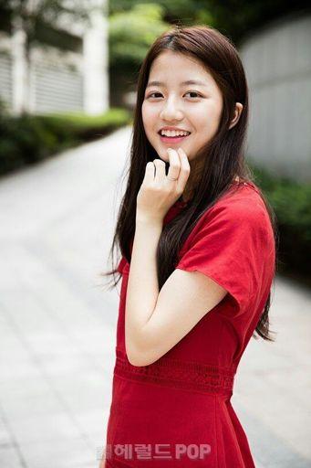 kim soo hyun dating 2012 chevy