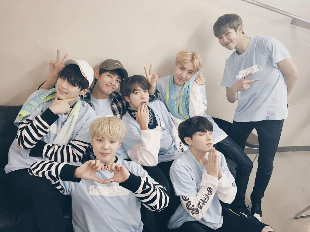 Bts In Ama >> BTS WALLPAPER | K-Pop Amino