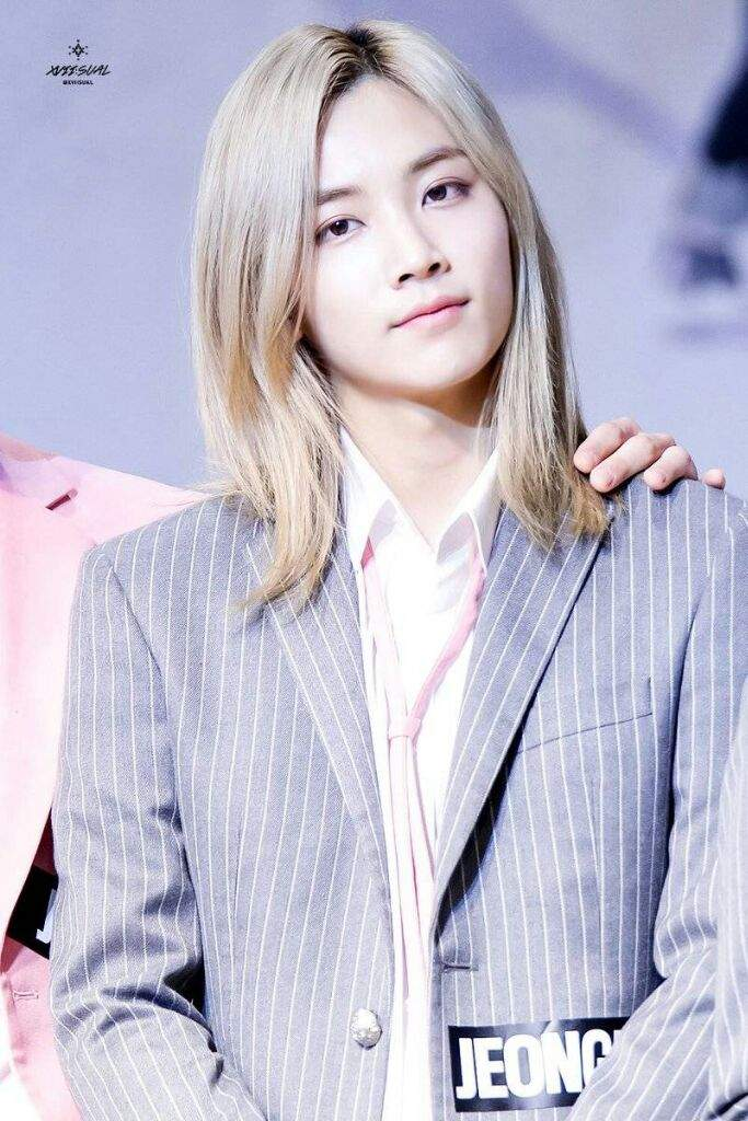 Seventeen Wallpaper Jeonghan 1 3 Long Hair K Pop Amino
