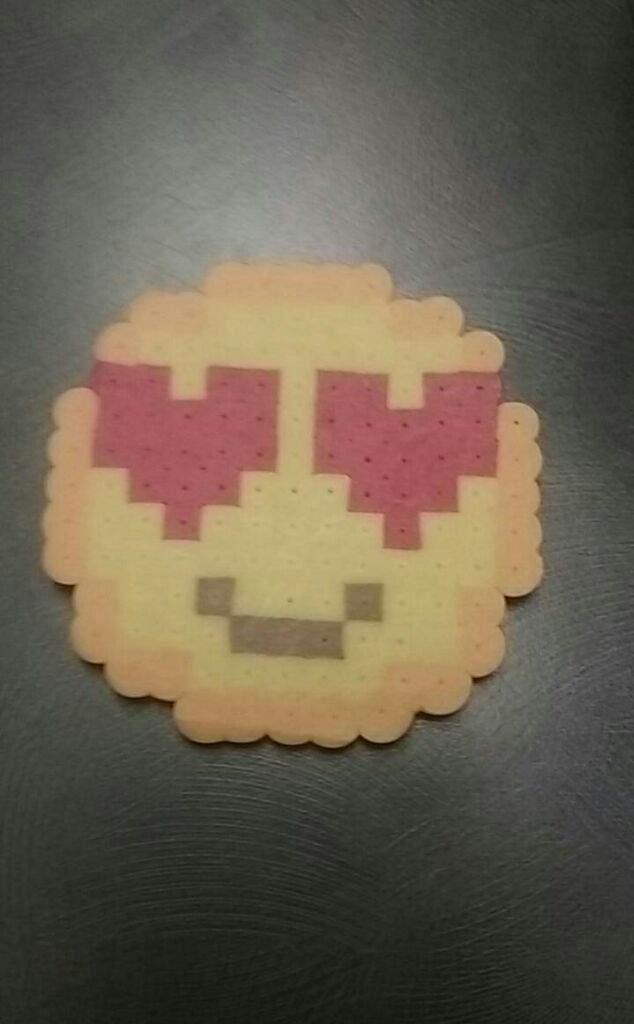 Heart face emoji | Beads And Pixels Amino Amino