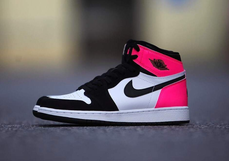 47e324a7b75 http   sneakernews.com 2017 01 25 air-jordan-1-girls-gg-valentines-day
