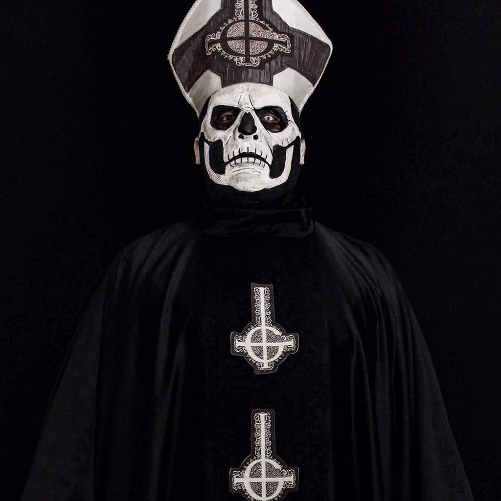 Papa emeritus ii photoshoot | Cosplay Amino