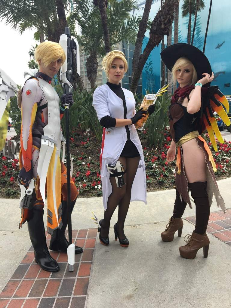 Overwatch Cosplay - Witch Mercy | Overwatch Amino