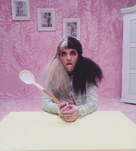 Melanie Martinez Rare Photo >> Melanie Martinez • RARE PHOTOS | Crybabies Amino