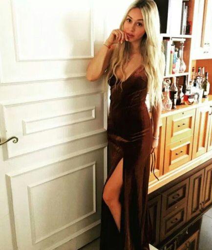 Corinne Olympios  nackt