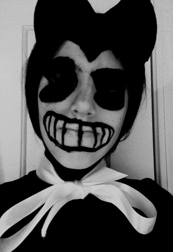 Bendy and the Ink Machine Cosplay!?