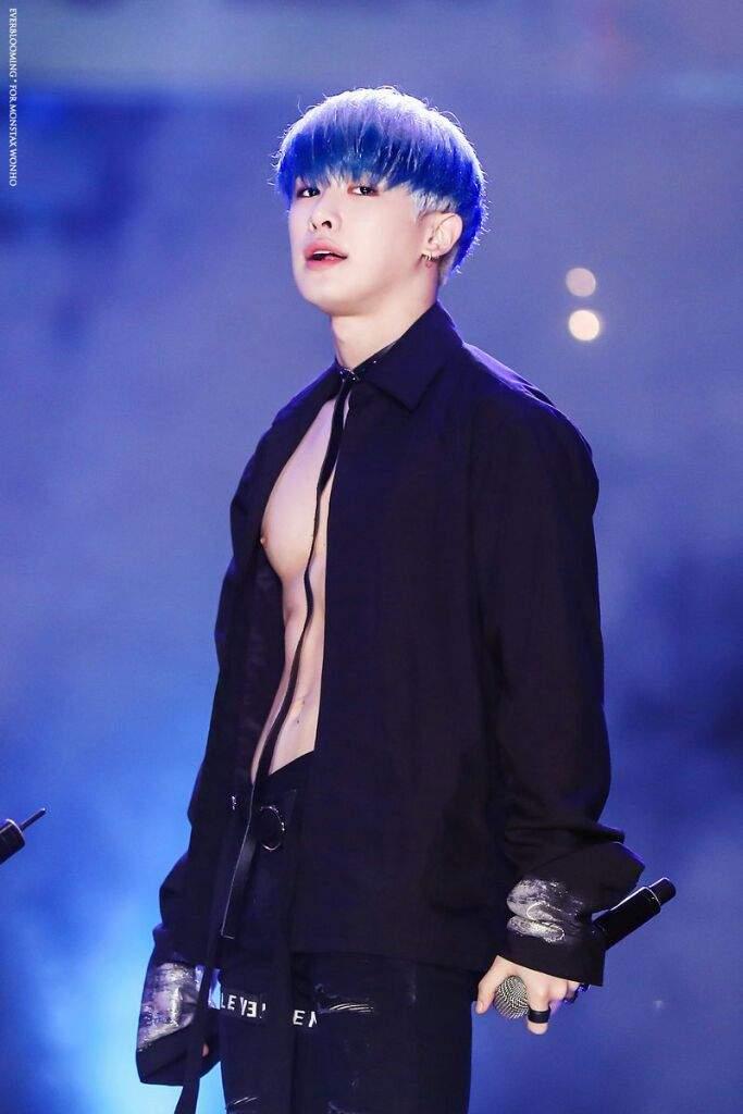 Вонхо синие волосы