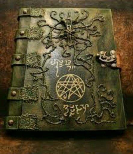 Como Fazer E O Que Anotar No Seu Grimório Ou Livro Das Sombras Wicca Bruxaria Amino