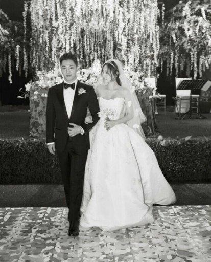 Taeyang Hyorin Wedding Memes K Pop Amino