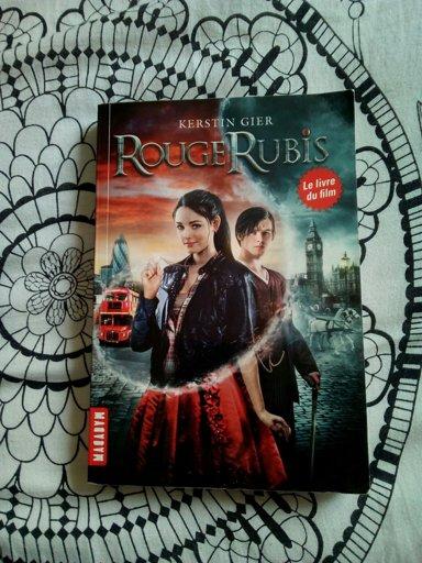 Rouge Ruby Bleu Saphir Et Vert Emeraude Wiki Magie Des