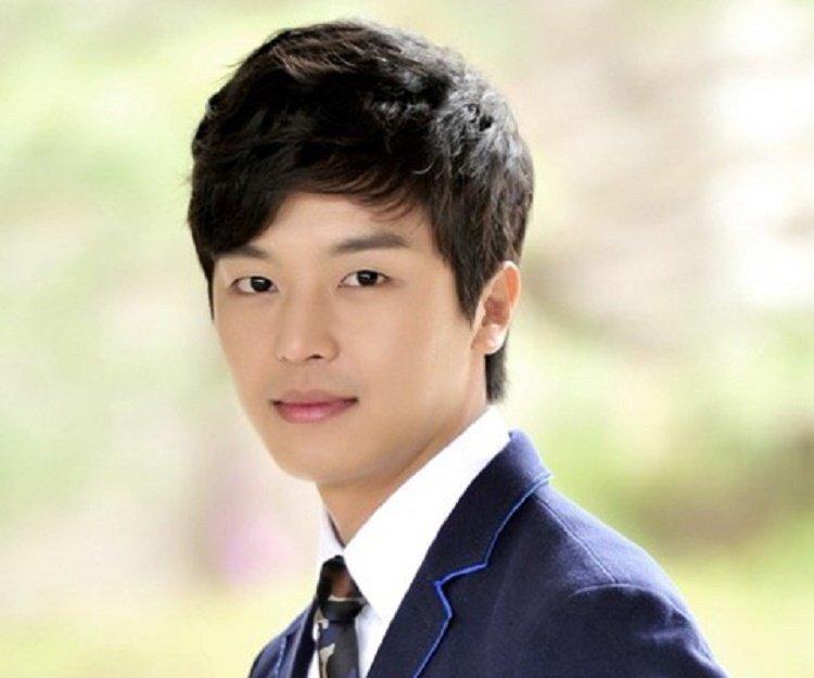 Gambar yeon woo jin dating