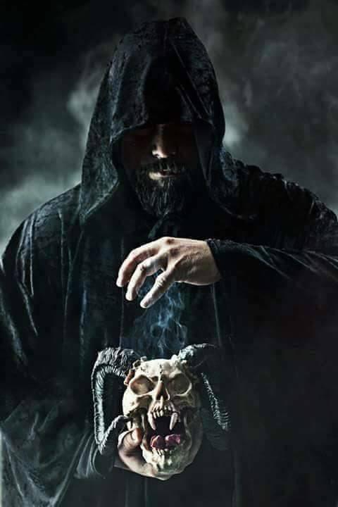 El manual de hechicería y sortilegios para cazar brujos indígenas