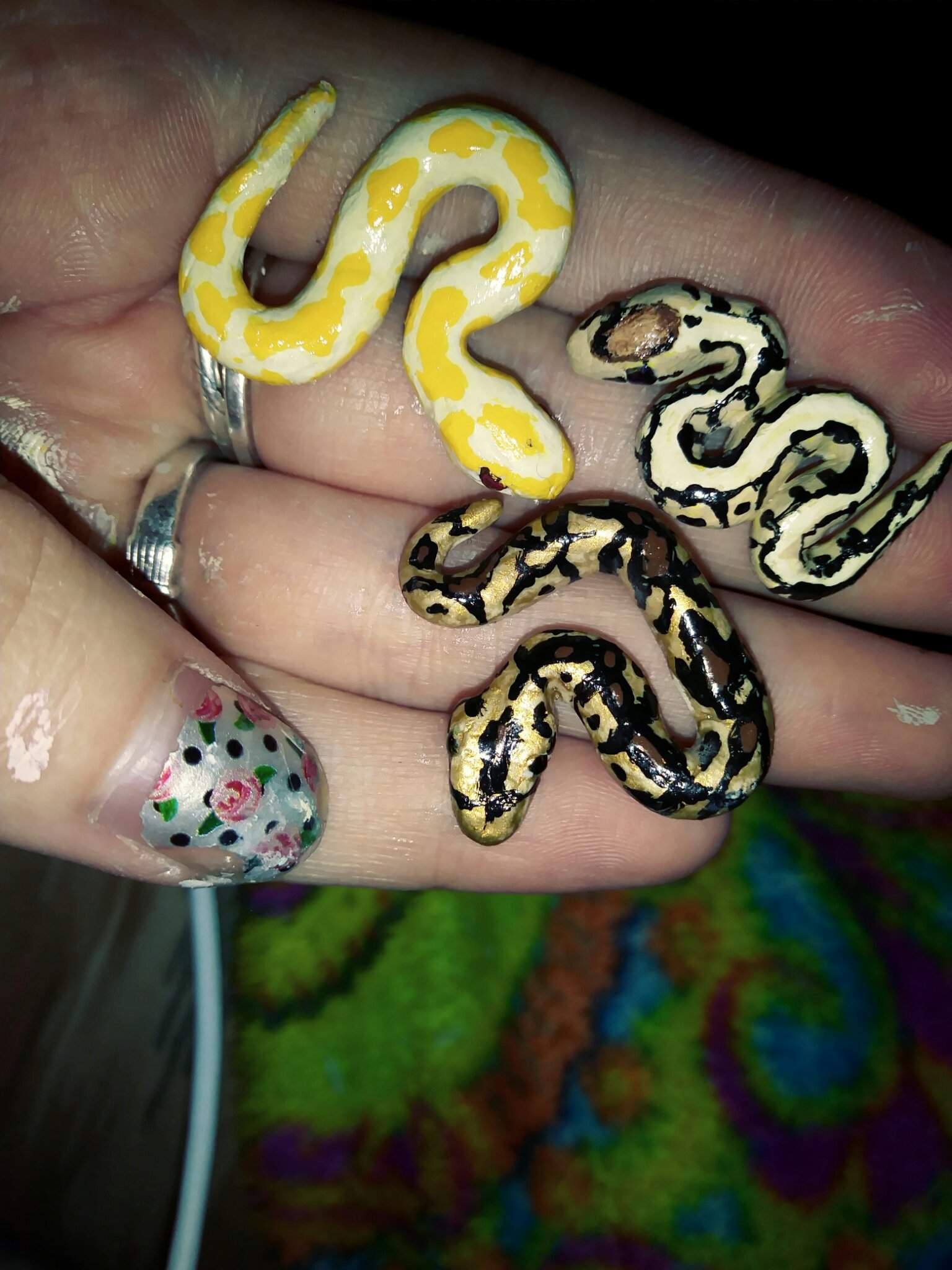 Ball Pythons Royal Desert Pinstripe Albino Art Amino