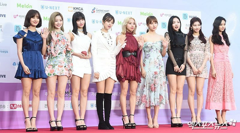 TWICE at the red carpet at the 8th Gaon Chart Music Awards | Twice