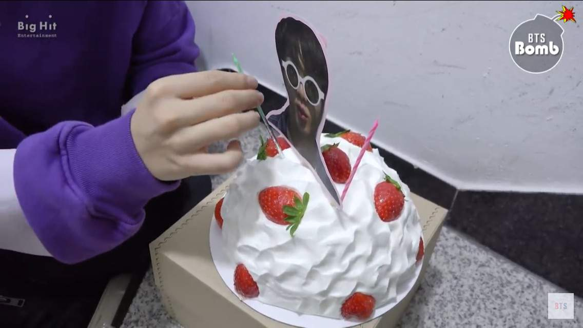 "Bangtan Bomb Sunglasses Jin S Surprise Birthday Party Bts Ë°©íƒ""소년단 Got7 Bts Amino"