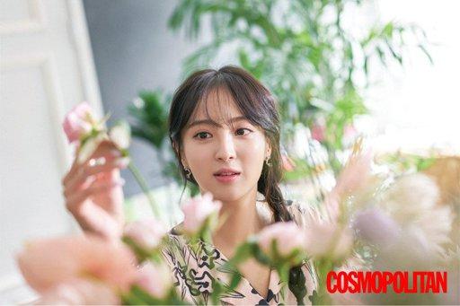Jung Hye Sung - Cosmopolitan Magazine   Wiki   الدراما الكورية