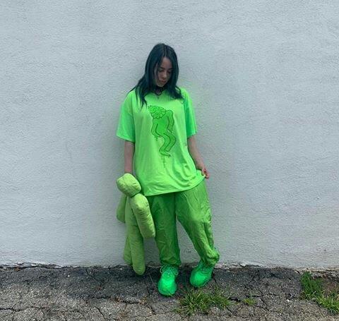 30 Day Challenge Day 1 Billie Wearing Green Billie Eilish Amino