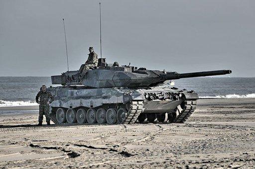 Leopard 2 Main Battle Tank | Wiki | Warfare Roleplay Amino
