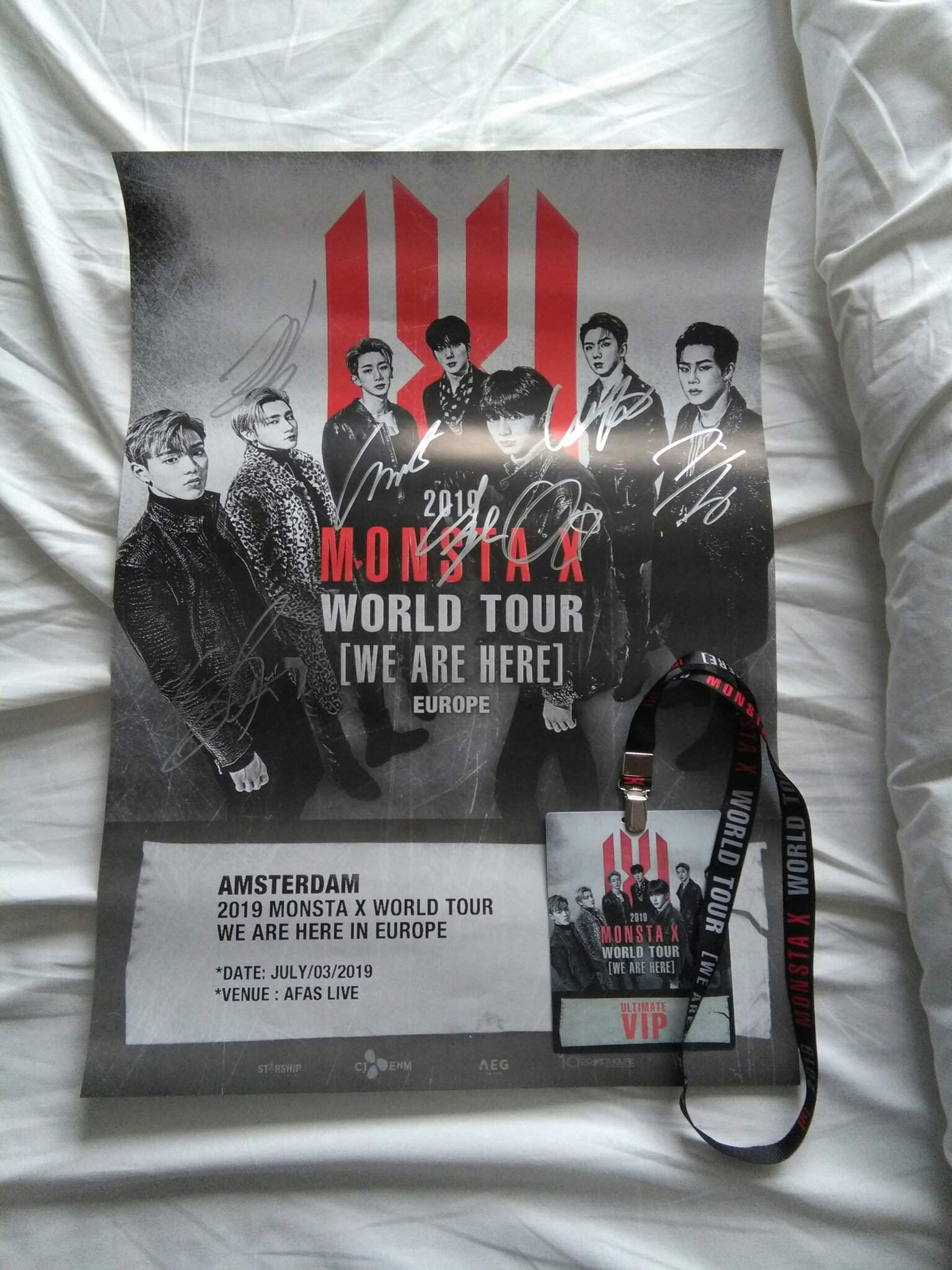 MONSTA X in Amsterdam concert and hi-touch experience